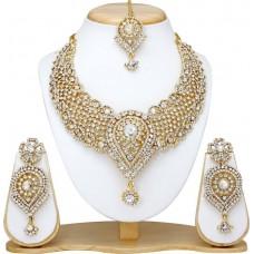 Набор (Белый). Ожерелье, Серьги и тикка.